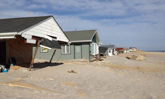 Homes damaged along the New Jersey Shore after Hurricane Sandy in 2012. (b0jangles via Flickr Creative Commons: https://bit.ly/1mhaR6e)