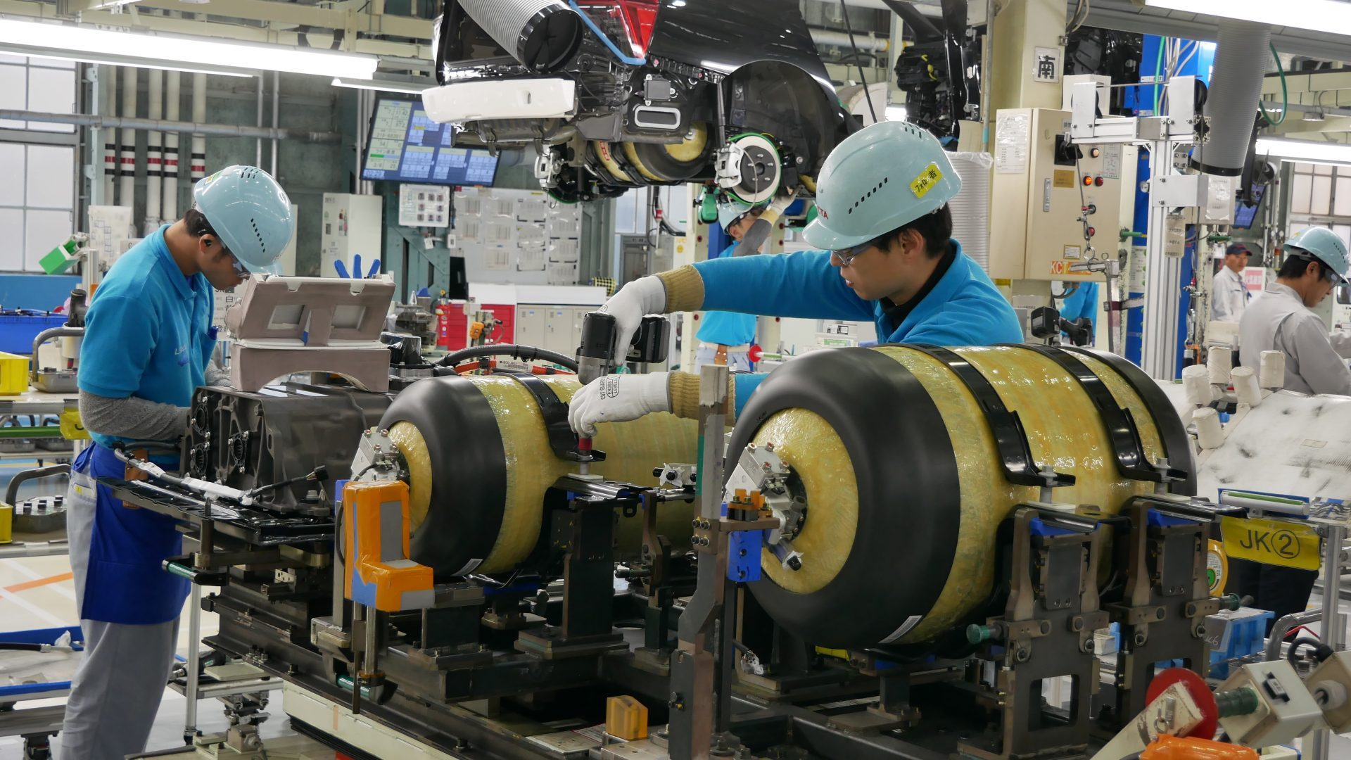 Amid global push to reduce carbon emissions, Japan looks
