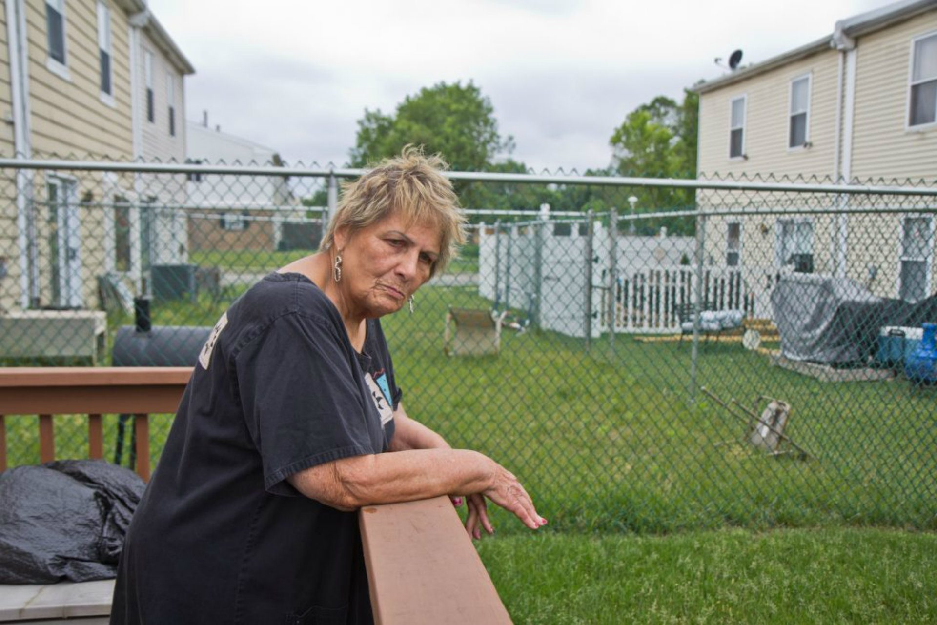 Elizabeth Reid at her longtime Eastwick home. (Kimberly Paynter/WHYY)