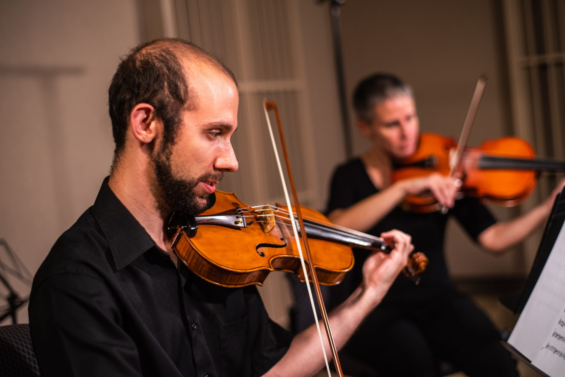 Greg Glessner playing violin
