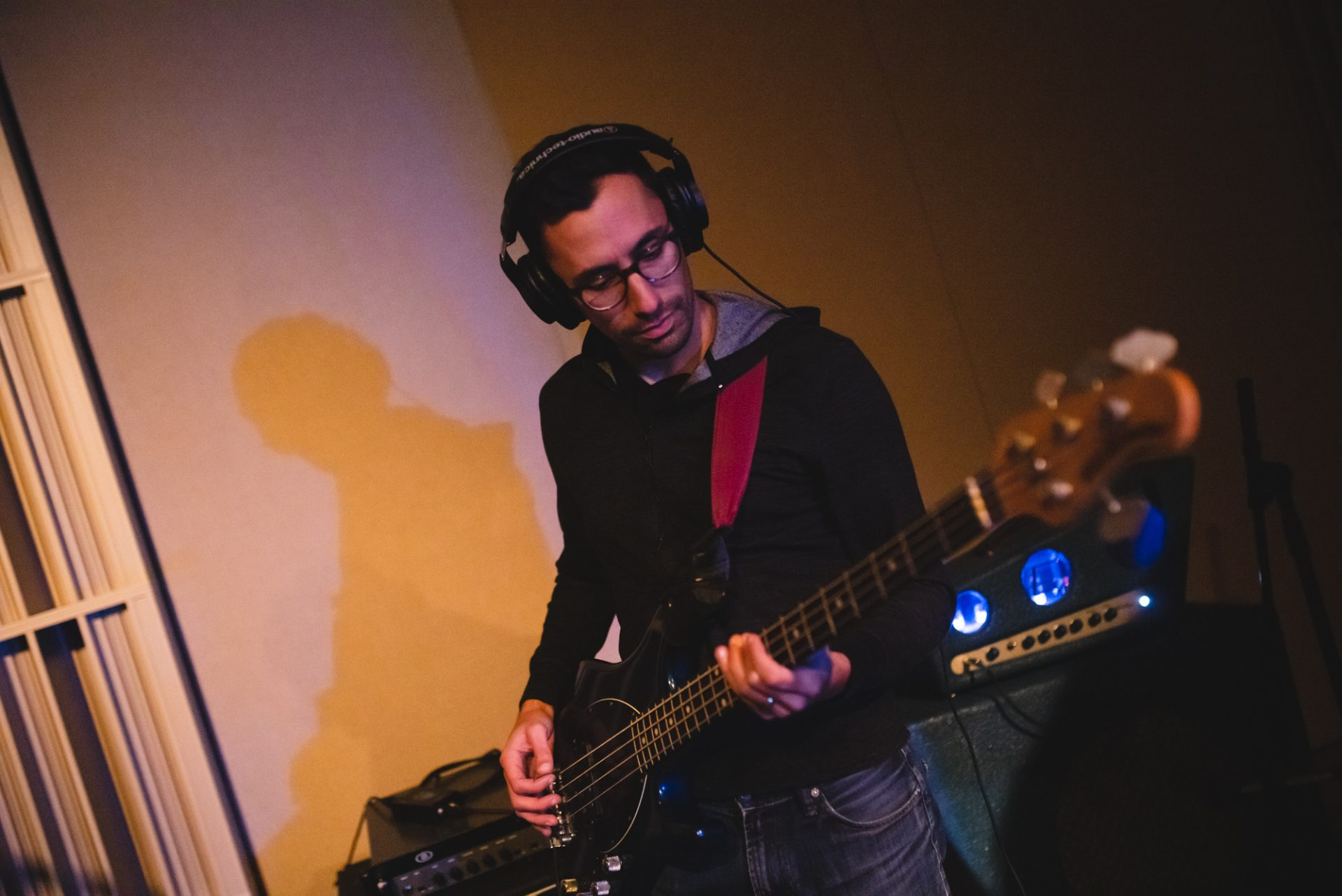 Joe Terranova playing bass