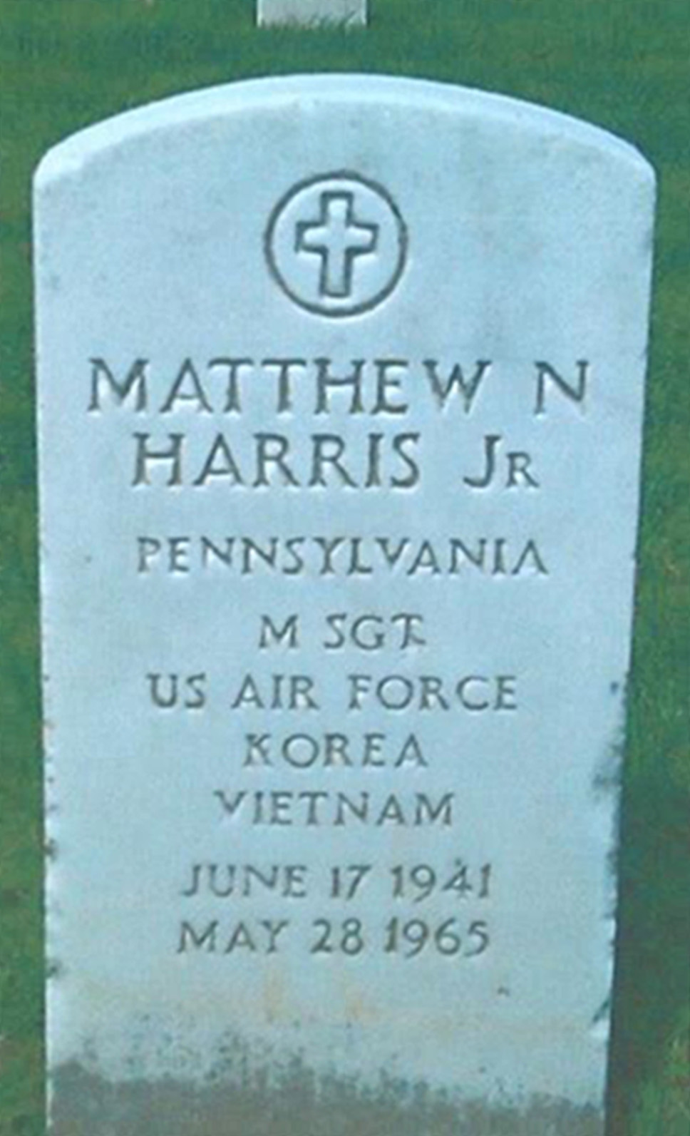 Headstone of Master Sgt. Matthew N. Harris, Jr.