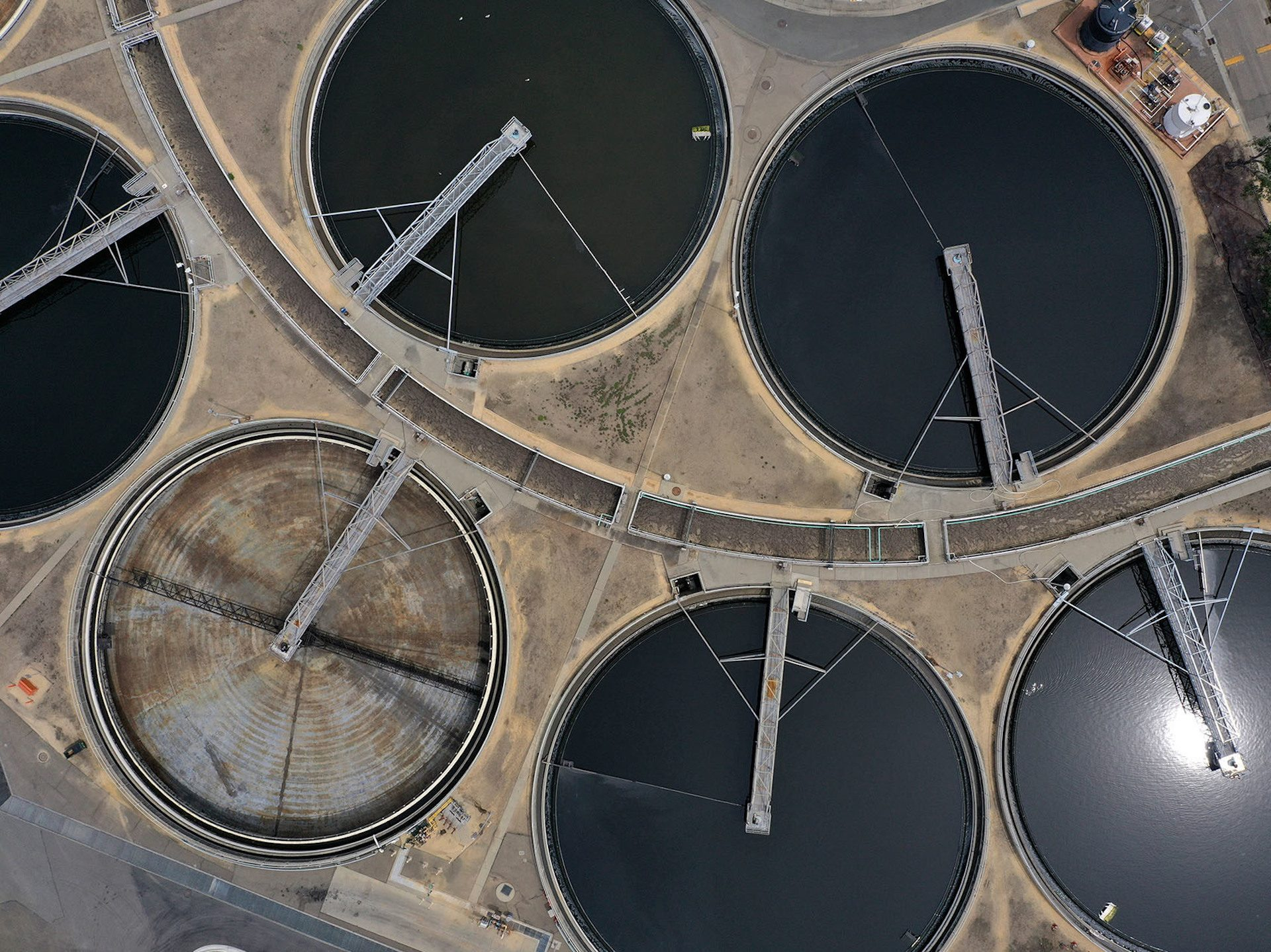 The East Bay Municipal Utility District wastewater treatment plant in Oakland, Calif. Stanford University researchers are testing sewage in hopes of tracking the emergence and spread of COVID-19 outbreaks.